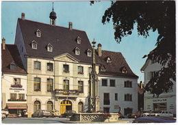 Altkirch: RENAULT 16, VW 1300 KÄFER/COX, CITROËN DS, 2CV, PEUGEOT 504 & 204 REAK - 'Salon De The' - Fontaine, Mairie - Toerisme