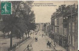 Carte Postale Ancienne De Fontenay Le Comte Le Rue Turgot Et De La Republique - Fontenay Le Comte