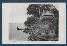 Sur Le Congo - Les Femmes Apportent De La Paille Pour Confectionner Les Toitures Des Cases - French Congo - Other