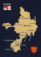 1 MAP Of Island Sark - Channel Islands * Ansichtskarte Mit Der Landkarte Der Insel Sark Mit Flagge Und Wappen * - Cartes Géographiques