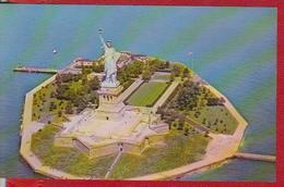 STATUE OF LIBERTY LIBERTY ISLAND IN NEW YORK HARBOR UNITED STATES UNUSED - Statue De La Liberté