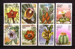 499a * LAOS * 8 AUSGABEN BLUMEN * GESTEMPELT **!! - Pflanzen Und Botanik