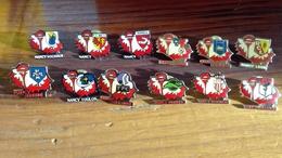 Lot De 12 Pin's Rencontre De Football ASNL - Badges