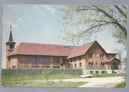 FR.- Abbaye Sainte Marie Des Deux Montagnes. Sainte Marthe Sur Le Lac. Old Car. - Kerken En Kloosters