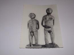 Statues Banda En Bois.Musée Boganda Bangui.République Centrafricaine. - Centrafricaine (République)
