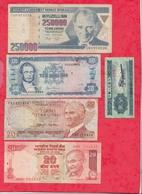 Pays Du Monde 10 Billets Dans L 'état Lot N °4 - Monnaies & Billets