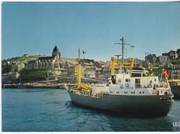 Treport - Cargo Entrant Au Port - France