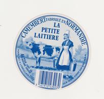 ETIQUETTE DE CAMEMBERT LA PETITE LAITIERE 50 AN DUCEY - Fromage