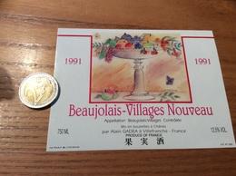 Etiquette Vin 1991 «BEAUJOLAIS VILLAGES NOUVEAU - A. GADEA - Villefranche (69)» (fruit, Papillon, Illustration B. NESME) - Beaujolais