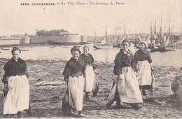 CONCARNEAU Un Arrivage De Thon - Concarneau