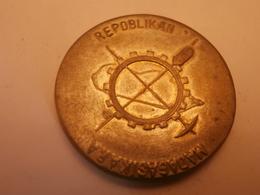 Médaille Du Travail Madagascar - Monnaies