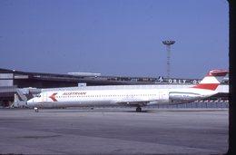 SLIDE / AVION / AIRCRAFT   KODAK  ORIGINAL  AUSTRIAN  MD 80  OE-LDV - Diapositives (slides)