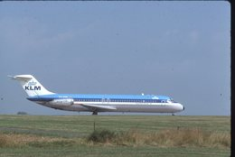 SLIDE / AVION / AIRCRAFT   KODAK  ORIGINAL  KLM  DC 9  PH-DNR - Diapositives (slides)