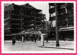 Cp Dentelée - Verwoest Rotterdam 1940 - No K De Bijenkorf - Bombardement - Gebr. SPANJERSBERG - Rotterdam