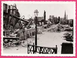Cp Dentelée - Verwoest Rotterdam 1940 - No S Victoria Hotel Leuvehaven - Bombardement - Gebr. SPANJERSBERG - Rotterdam