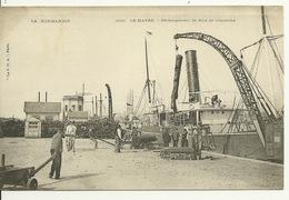 76 - LE HAVRE / DECHARGEMENT DE BOIS DE CAMPECHE - Port