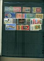 TRINIDAD TOBAGO PRTIT LOT DE 29 TIMBRES EN SERIES COMPLETES A PARTIR DE 1 EURO - Trinité & Tobago (1962-...)