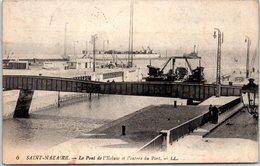44 SAINT-NAZAIRE - Le Pont De L'écluse Et L'entrée Du Port - Saint Nazaire