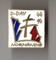 PIN'S MILITARIA D DAY 50eme Anniversaire Du Débarquement En Normandie 50 Ans Signé ARCAPEA - Militaria