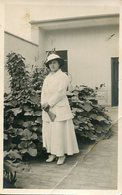 MUJER VESTIDA DE BLANCO MODA ANTIGUA / YOUNG WOMAN WITH WHITE CLOTHES OLD FASHION / CIRCA 1930 POSTAL POST CARD -LILHU - Mode
