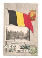 Souvenir De Bruxelles- Grand'Place-drapeau--(C.8248) - Marktpleinen, Pleinen