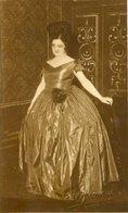 MUJER CON VESTIDO ELEGANTE, MODA ANTIGUA / WOMAN WITH ELEGANT DRESS, OLD FASHION / CIRCA 1910 POSTAL POST CARD -LILHU - Mode