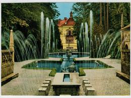 HELLBRUNN   BEI  SALZBURG   WASSERKUNSTE AM  FURSTENTISCH, DAHINTER LUSTSCHLOSS                     (NUOVA) - Salzburg Stadt