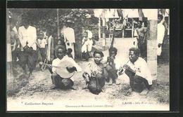 AK Laos, Musiker Spielen In Einer Strasse - Postcards