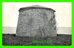 QUÉBEC - LA TOUR MARTELLO - CIRCULÉE EN 1917 - ILLUSTRATED POST CARD CO - - Québec - La Cité