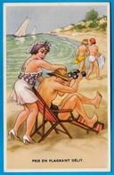 """CPA Illustrateur HUMOUR """"Pris En Flagrant Délit"""" Scène De Plage Couple Jumelles Voyeur Baigneuses Chaise-longue - Humour"""
