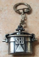 Porte  Clefs       SEB    -  Cocotte   Minute - Porte-clefs