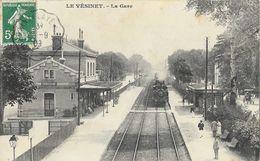 Le Vésinet - La Gare - Train Entrant En Gare En 1909 - Edition A. Després - Gares - Avec Trains