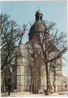 Provins: FORD TAUNUS 15M P6, CITROËN  2CV, PEUGEOT 403 - L'Eglise Saint-Quiriace - (71) - Toerisme