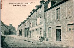 50 PONT L'ABBE PICAUVILLE - Une Vue Du Bourg - France