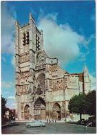Auxerre: SIMCA ARONDE, CITROËN DS - La Cathédrale Saint-Etienne  - (Yonne) - Toerisme