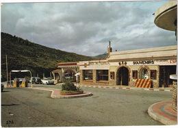 Cerbère: SIMCA 1000, PEUGEOT 203, RENAULT 4-COMBI, CITROËN 2CV AZU - STATION-SERVICE - La Frontière Franco-Espagnole - Toerisme