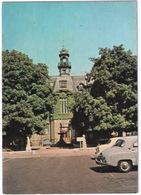 Vernon: RENAULT FRÉGATE, PEUGEOT 403, CITROËN 2CV - L'Hotel De Ville - (Eure) - Toerisme