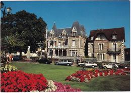 Cabourg: BMW 316, RENAULT 21 NEVADA & 21 SEDAN, PEUGEOT 205 - Jardins Et Maisons - (Calvados) - Toerisme