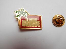 Beau Pin's , BTP , Batiment Travaux Publics , Léon Grosse , Aix Les Bains - Badges