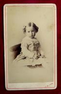 Cdv Bébé Enfant  FILLETTE - PHOTOGRAPHE NADAR - Personnes Anonymes