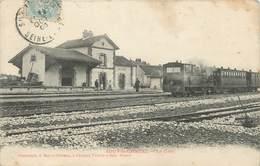 """/ CPA FRANCE 77 """"Jouy Le Châtel, La Gare"""" - Autres Communes"""