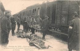 Cpa 51 Chalons Embarquements De Blessés - Châlons-sur-Marne