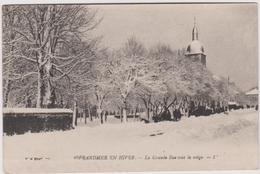 88 Gerardmer En Hiver  La Grande Rue Sous La Neige - Gerardmer