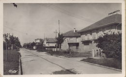 Paray-Vieille-Poste : Avenue Du Général-de-Gaulle - Francia