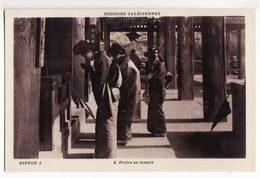 JAPON     Missions Salésiennes    Prière Au Temple - Japon