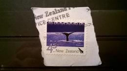 FRANCOBOLLI STAMPS NUOVA ZELANDA NEW ZELAND 2004 SU FRAMMENTO ATTRATTIVE TURISTICHE BALENE A KAIKURA - Nouvelle-Zélande