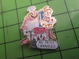 1015b Pins Pin's / Rare & De Belle Qualité  THEME : ALIMENTATION / RESTAURANT (Coucou Gégé) AU PETIT CANNIBALE - Food