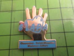1015b Pins Pin's / Rare & De Belle Qualité  THEME : ASSOCIATION / CLAPA MAIN COEUR CHARENTON SAINT MAURICE MAISONS-ALFOR - Associations