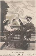 Carte Postale Ancienne Fantaisie - Couple - à La Santé De Nos Amis - Couples