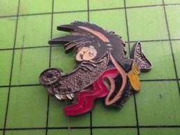 1015b Pins Pin's / Rare & De Belle Qualité  THEME : ANIMAUX / TETE DE LOUP - Animals